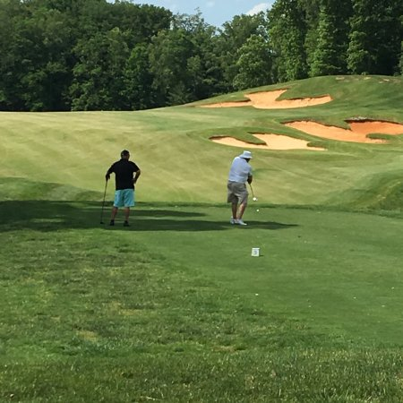 Burkesville, KY: Just a few pics of golfers enjoying the day with friends and a nice couple spending their 8th we