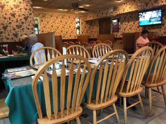 Lawrenceville, NJ: Large Party table