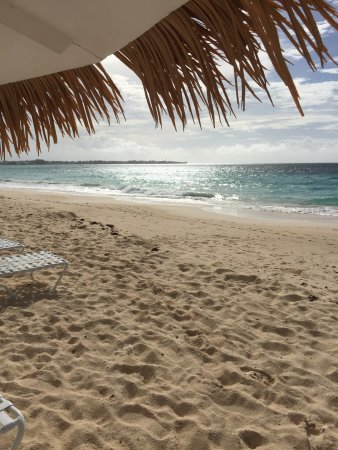 Bougainvillea Beach Resort: Beach is clean but waves are a bit rough on some days