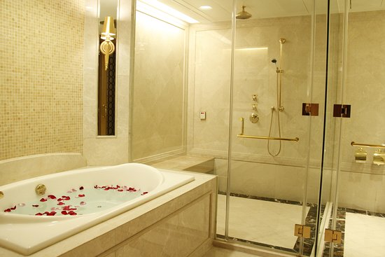 L'Arc Hotel Macau: Villa's Bathroom 複式套房浴室