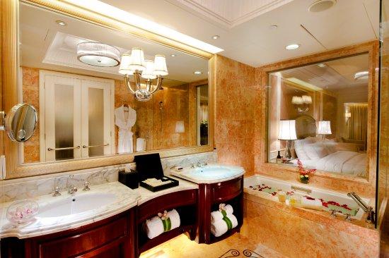 L'Arc Hotel Macau: Guestroom's Bathroom 客房浴室
