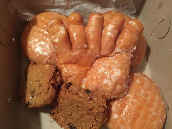 Howell, MI: Bear claw-raspberry filled-oatmeal rasin cookies