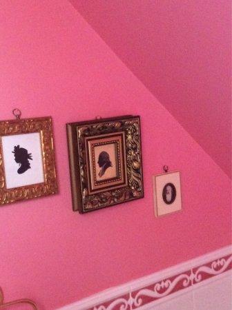 Arkell House B&B: The inside decor