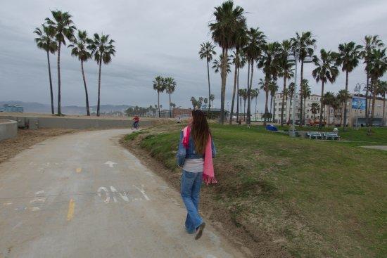 Venice Beach Boardwalk : Lots of pavement around here