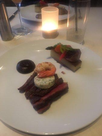 West Restaurant + Bar 사진