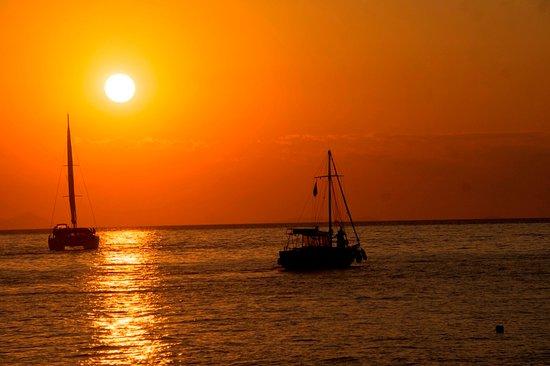 อโครตีรี, กรีซ: Sunset