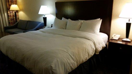 Grand Island, NY: Comfy Bed