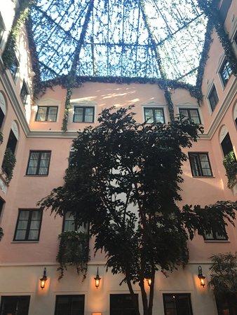 Master Johan Hotel: photo3.jpg