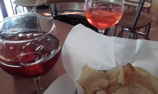 Bar cosmo milano omd men om restauranger tripadvisor for Bar 35 food drinks milano