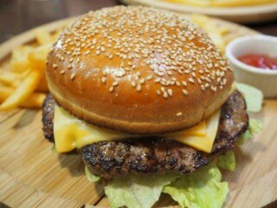 Tako-machi, Japan: ビーフのハンバーガー