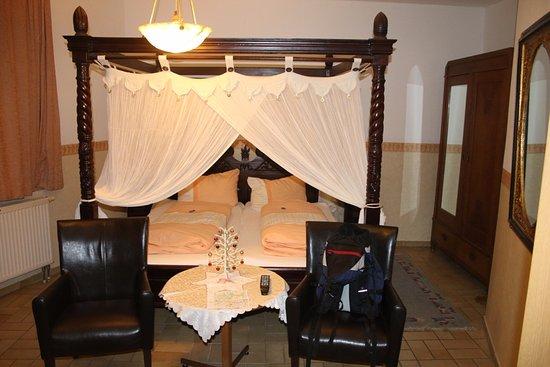 rothenburg ob der tauber hotel garni kreuzerhof la. Black Bedroom Furniture Sets. Home Design Ideas