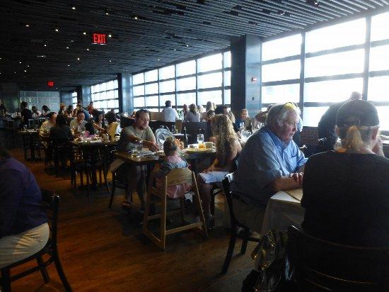 お店の中の様子 Picture Of Landmarc Restaurant New York City