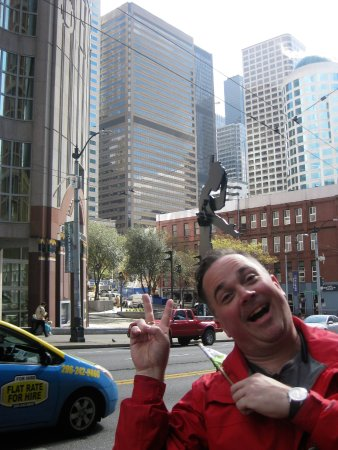Seattle Free Walking Tours: Joe and the Seattle 101 Tour