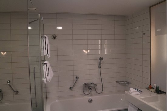 Vantaa, Finland: Hilton Helsinki Hotel - King room 482