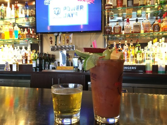 Stillwater, MN: The Bar is open