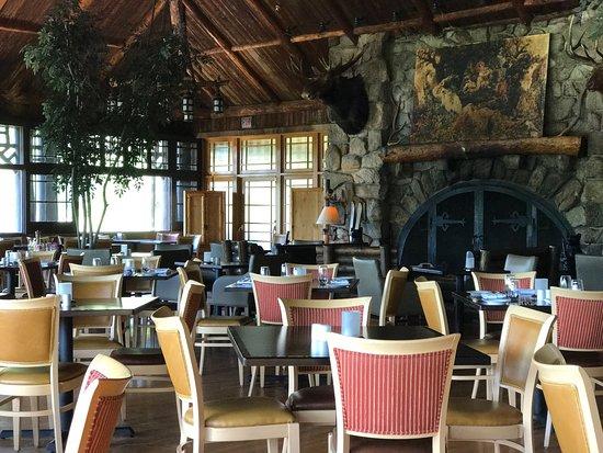 Bear Mountain, NY: Restaurant 1915 and Blue Roof Tapas Bar