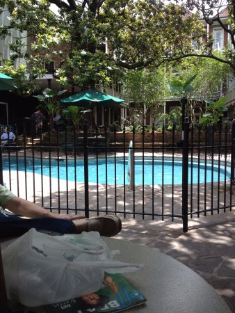 Place d'Armes Hotel: New Gate around pool of Place d'arms hotel in French Quarter