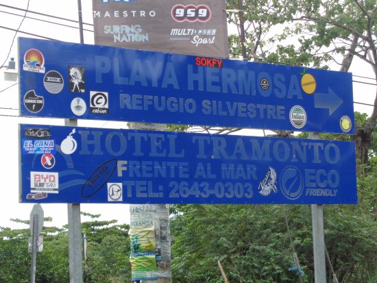 Playa Hermosa: Turn Here for view of great surfing