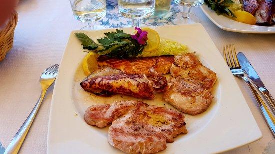 4 poissons grill s photo de trattoria dal pescatore for Restaurant poisson salon de provence