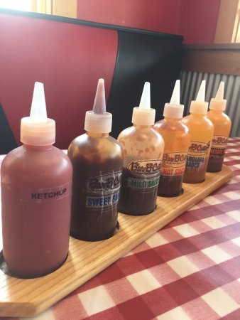 Marietta, OH : Great selection of sauce