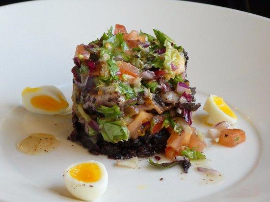 The Douglas Hotel: Black Pudding Salad