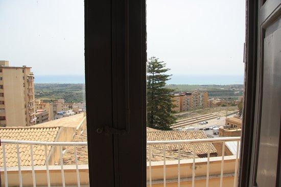 Atenea 191 Photo
