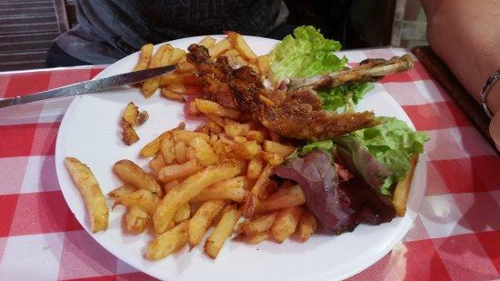 Parisot, France: Super repas au coin bio ! Quantité généreuse,goût au rdv et équipe très sympathique.  Je recomma