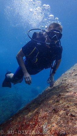 Rawai, Thailand: Вот так может плавать только правильно обученный дайвер! Все получилось и совсем не сложно!
