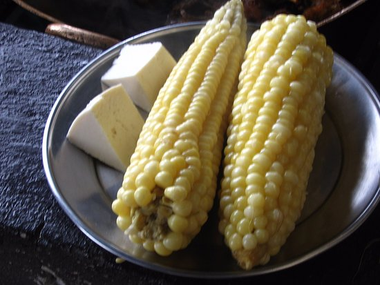 Atuntaqui, Ecuador: Fresh corn and cheese