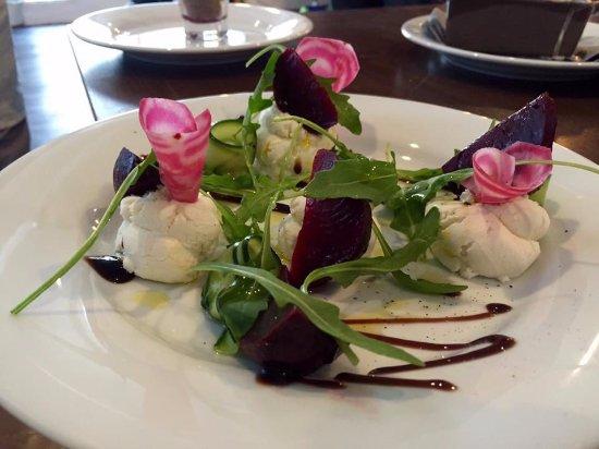 Aubusson, Fransa: Salade de chevre Fraise
