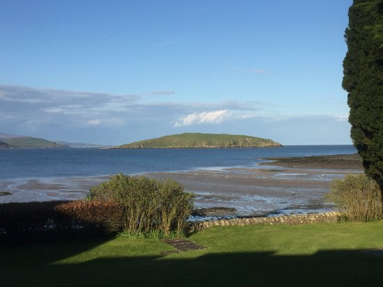 Auchencairn, UK: Balcary Bay - evening view from room