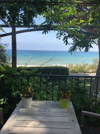 vue de la plage photo de chateau de sable cavalaire sur mer tripadvisor. Black Bedroom Furniture Sets. Home Design Ideas