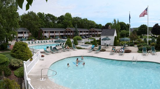 Juniper Hill Inn: Outdoor Pool