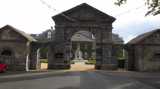 Celbridge, Irlandia: entrance and gardens