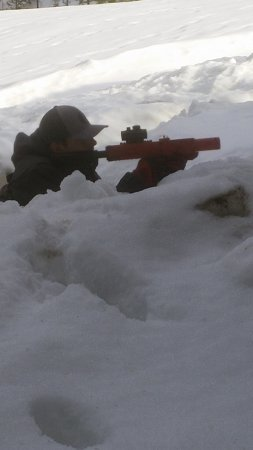 Nelson, Canada: Hiding in a snow bunker