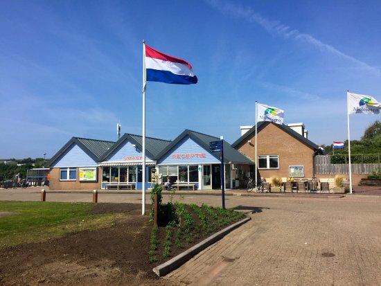 Vakantiepark Noordduinen : Central buildings of park Noordduinen