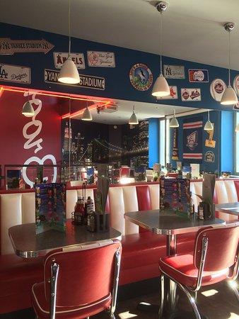 restaurant brooklyn pub and diner dans villefranche sur saone avec cuisine am ricaine. Black Bedroom Furniture Sets. Home Design Ideas