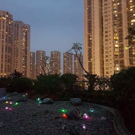 Harbour Plaza Resort City Hong Kong: Hotel grounds.