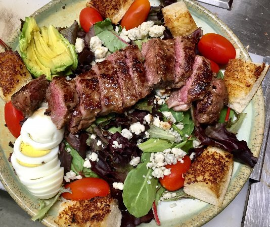 Shasta Lake, CA: NY Steak Salad, One of our many salad options