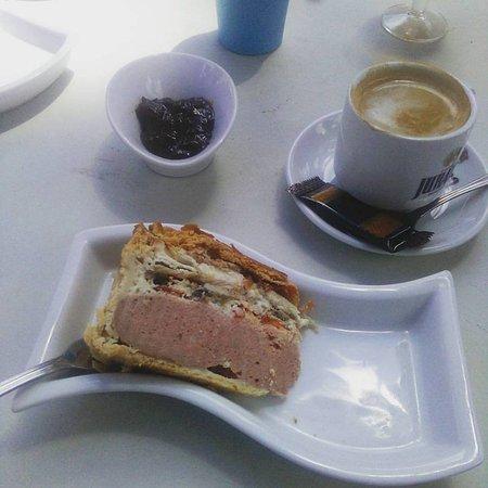 La Romana, Spain: Breakfast pie, branston pickle and a coffee