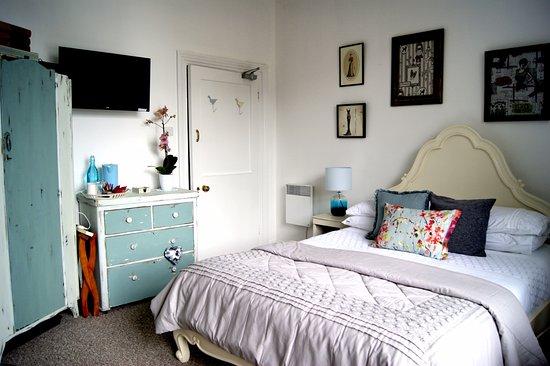 Sunset Inn: French Room - Ground floor