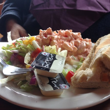 Gillingham, UK : Huge prawn salad