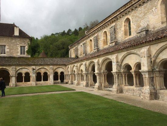 Montbard, Frankreich: Kloster (Rundgang)