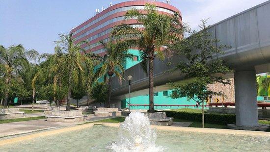 Holiday Inn Parque Fundidora: Vista desde el Parque Fundidora