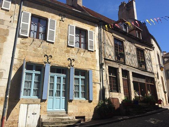 Office De Tourisme Semur En Auxois Maisons La Vieille Ville