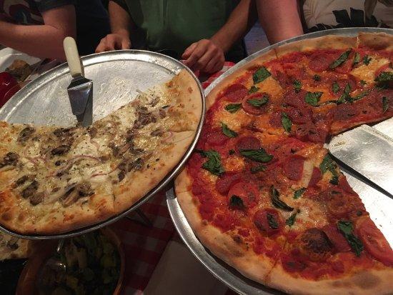 Sal's Neighborhood Pizzeria: photo0.jpg