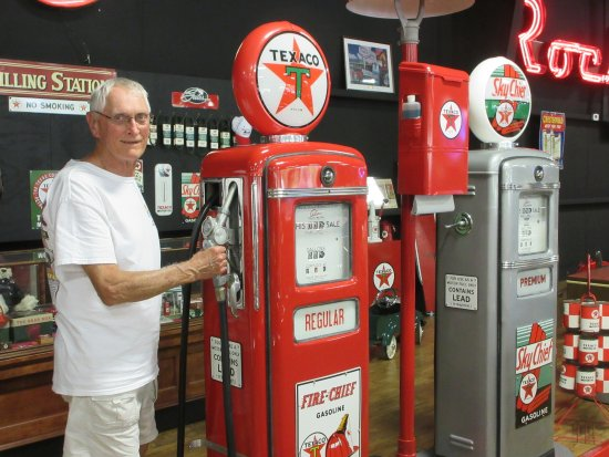 Eatonton, GA: Reminds me of my Dad's Texaco Station
