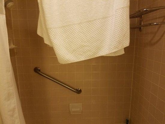 Hilton Boca Raton Suites: Nicw suitws, pool, breakfast, gym and staff