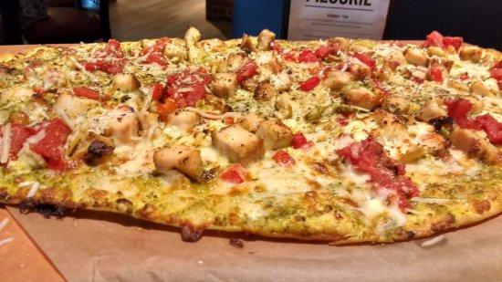 Laurel, MD: Tavern cut pizza
