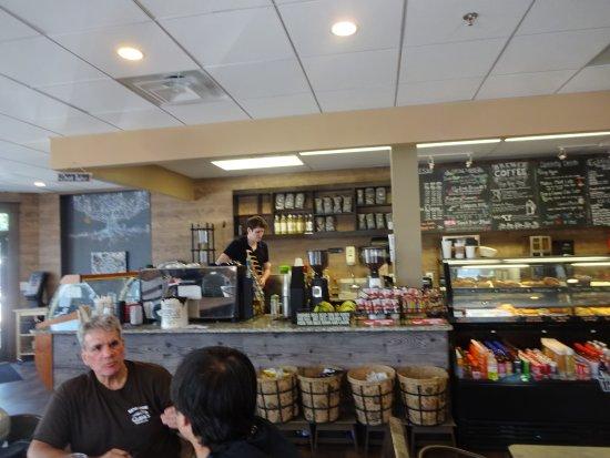 Fairfax, فيرجينيا: view of counter
